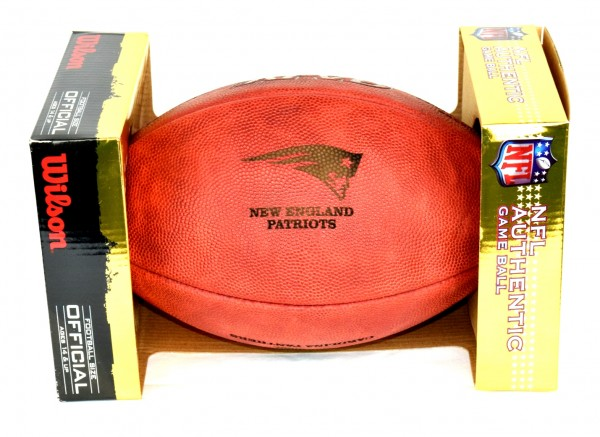 *Inklusive Teamlogo* Wilson NFL Spielball - The Duke